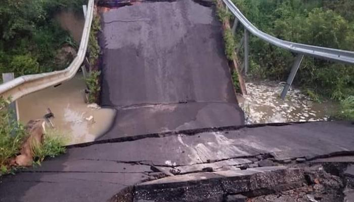 bridge collapsed